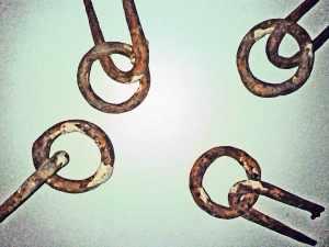 Vier Ringe zur Befestigung von Leinen - geschmiedet, vermutlich 18. Jh., aus dem ehem. Bormannshaus, Buntenbock